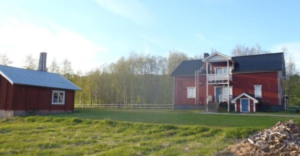 Hus_i_sommarskrud