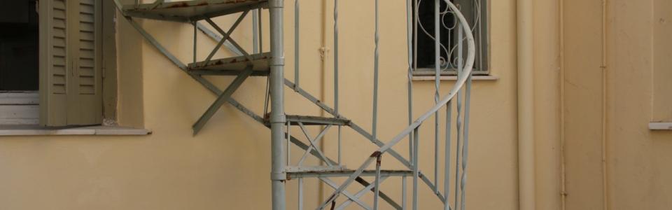 Spiraltrappan upp till terrasslägenheten 2020