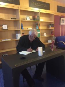 Henning Mankell inviger Kulturcentrum Mankells nya lokaler maj 2015
